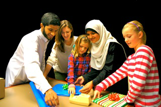 Jewish, Muslim groups to volunteer on Christmas day