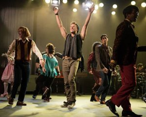 """The cast of """"Glee"""" performs Jonathan Coulton's arrangement of """"Baby Got Back"""" on last week's episode. Photo courtesy of FOX Broadcasting Company."""