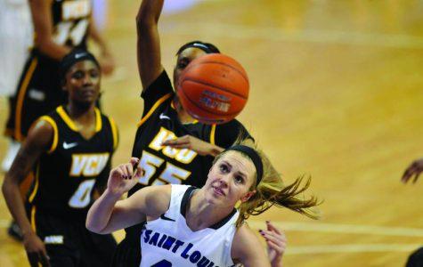 Women's basketball 5-5 over break