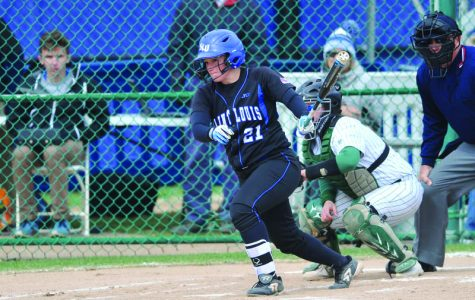 Softball drops series against Colonials, 1-2