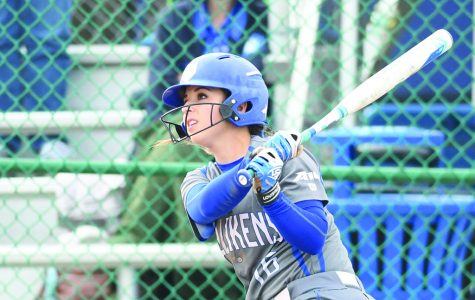 Softball sweeps George Mason over weekend