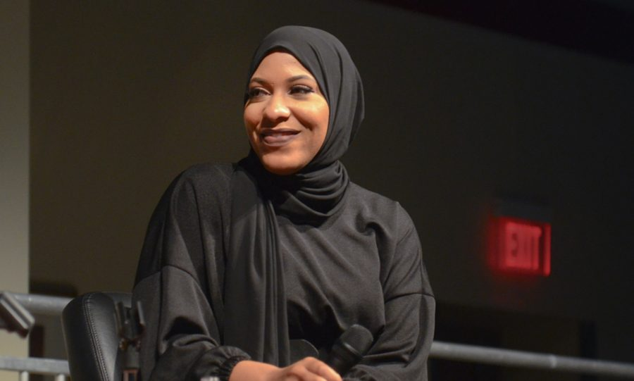 Olympic+bronze-medal+fencer+Ibithaj+Muhammed+answers+questions+from+the+audience+following+her+Great+Issues+speech+in+the+SLU+Wool+Ballrooms.