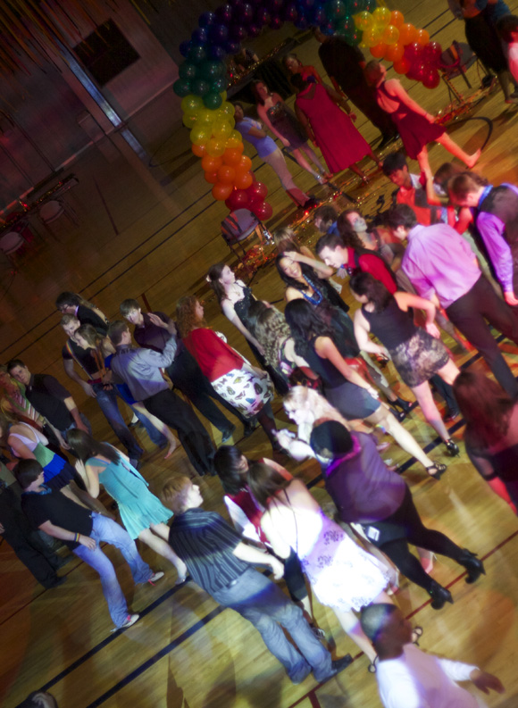 Students and guests attended the fourth annual Rainbow Alliance Homocoming dance, held in the Simon Recreation Center on Saturday, November 5.  Shah (Yuqing Xia)/ Photo Editor