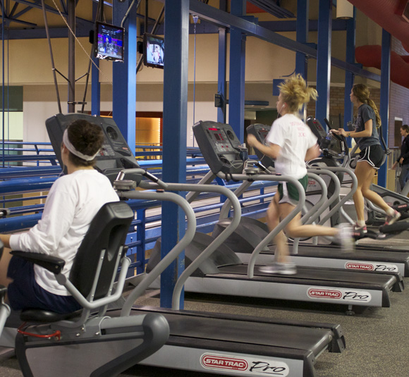 Treadmills are popular forms of exercise for students. Kelly Hinderberger / Associate Photo Editor