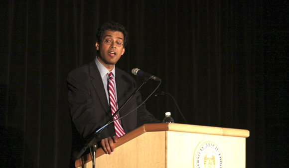 Dr. Atul Gawande, despite his success, stressed the need to learn from failure and to have courage.  Ryan Doan/Staff Photographer