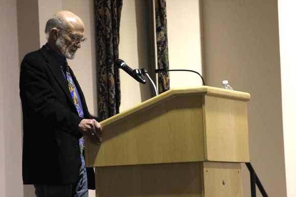 """Hauerwas speaks to SLU students on the importance of pacifism in today's society. Jennifer Wang / Photo Editor encourages all Christians """"to be nonviolent in [their] pursuit to follow Jesus' example."""""""
