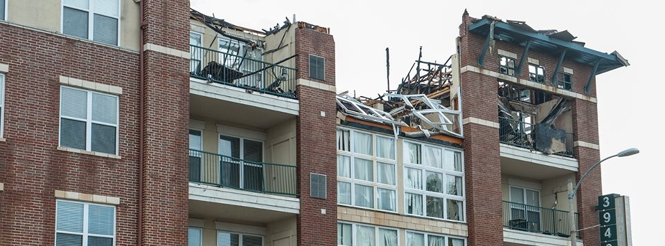 SLU+Students+Displaced+by+Lindell+Fire+-+Building+declared+a+total+loss