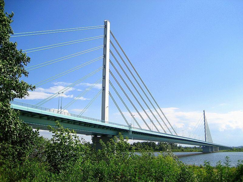 Solidarity+Bridge+in+Plock%2C+Poland%0A