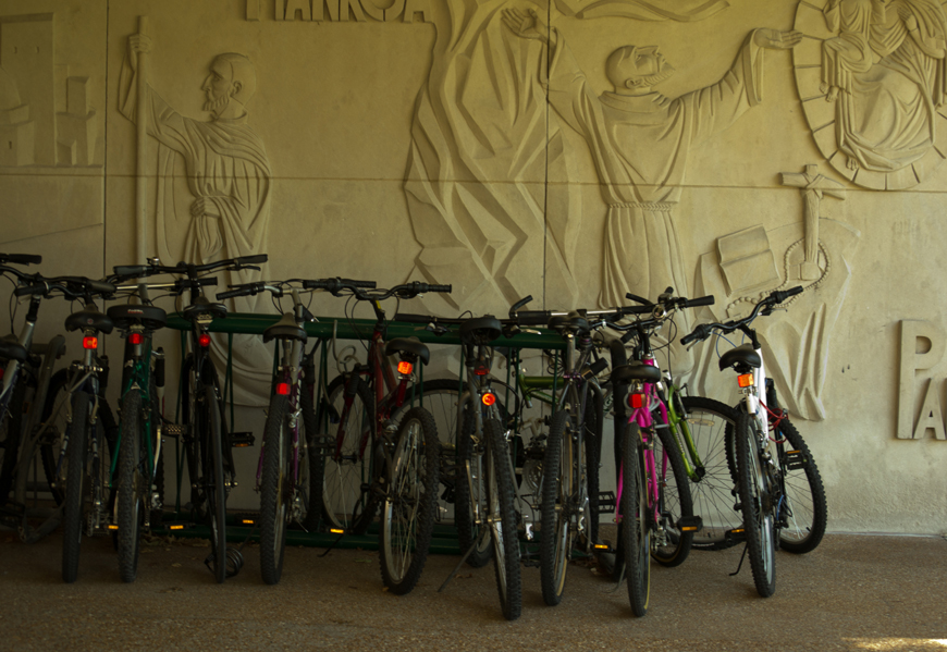 A+rash+of+bicycle+thefts+on+campus+has+prompted+DPSEP+to+act%3A+students+can+get+free+bike+locks+while+supplies+last.