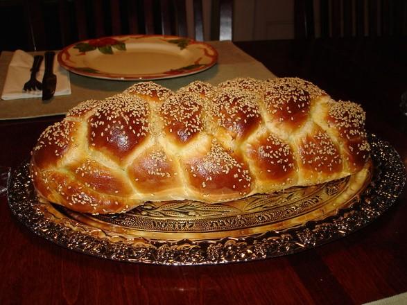 Courtesy of Aviv Hod http://commons.wikimedia.org/wiki/File:Challah_Bread_Six_Braid_1.JPG