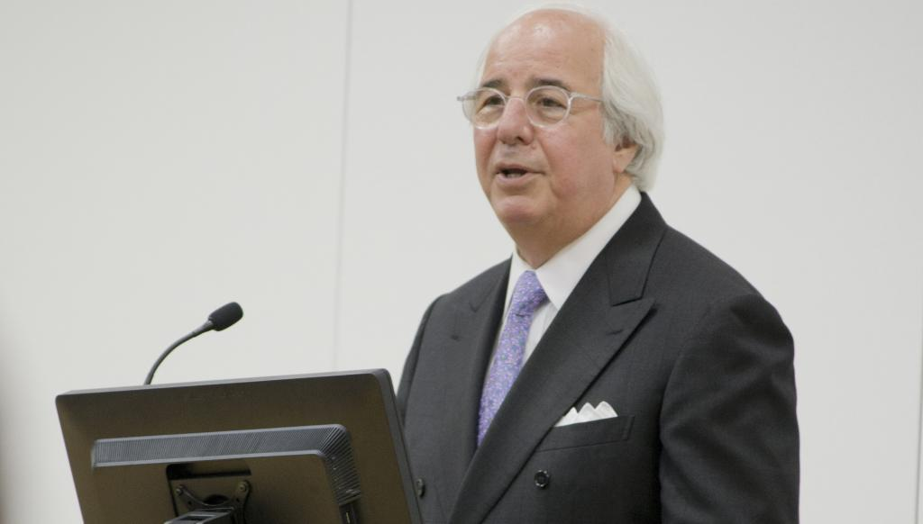Con Man: Frank Abagnale recounting the lessons he learned as a young man. Wolf Howard / News Editor