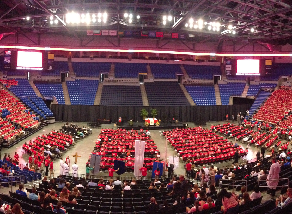 Mass%3A+Students+and+faculty+gather+for+the+Mass+of+the+Holy+Spirit+at+Chaifetz+Arena.%0AMax+Hammond%2F+Contributor