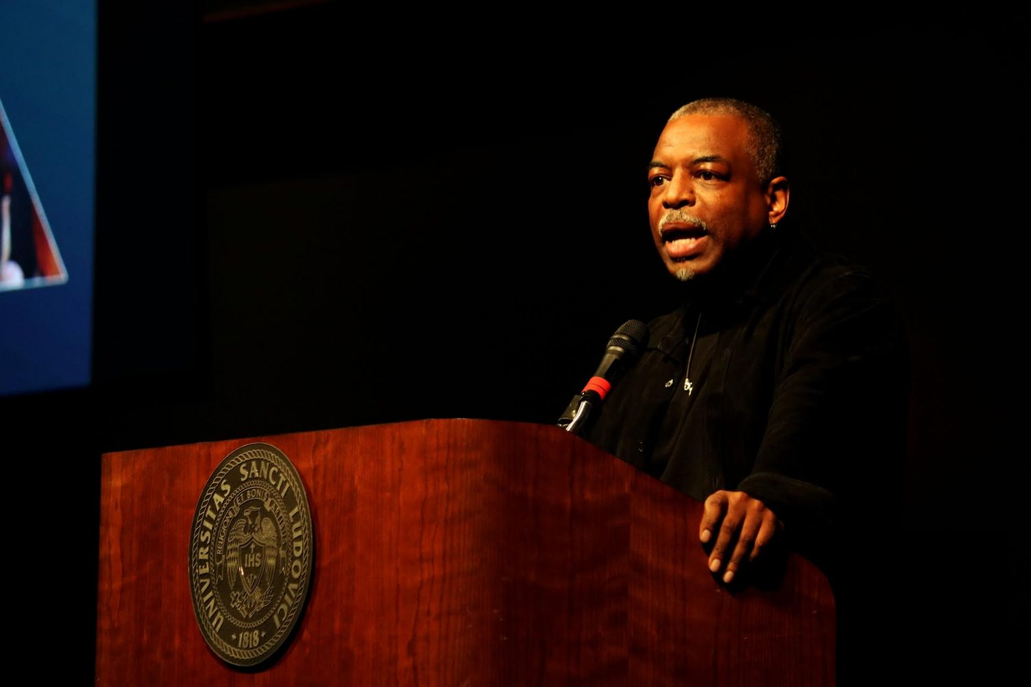LeVar+Burton%2C+host+of+Reading+Rainbow%2C+speaks+to+students+about+importance+of+literacy