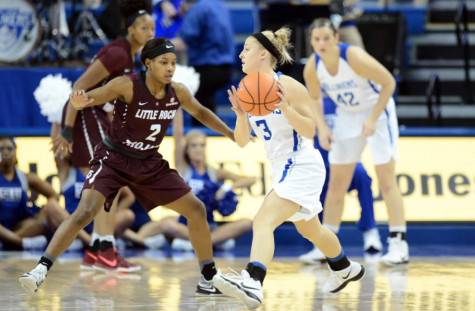 Women win at home, Edge Little Rock