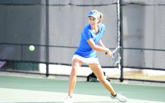 Tennis falls in Chicago friendlies