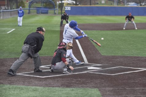 Baseball Sweeps Purdue, Extends Win Streak To 11