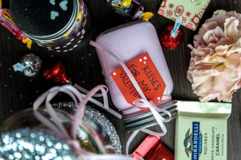 Craft Corner: Valentine's Candy Jar Edition